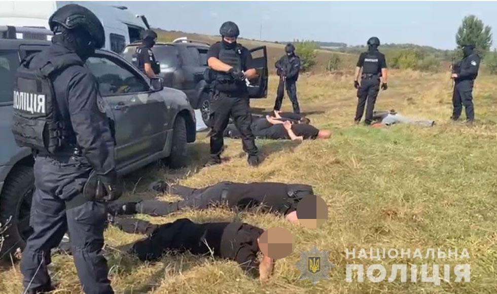 Поліція запобігла спробі рейдерського збору урожаю на Вінниччині