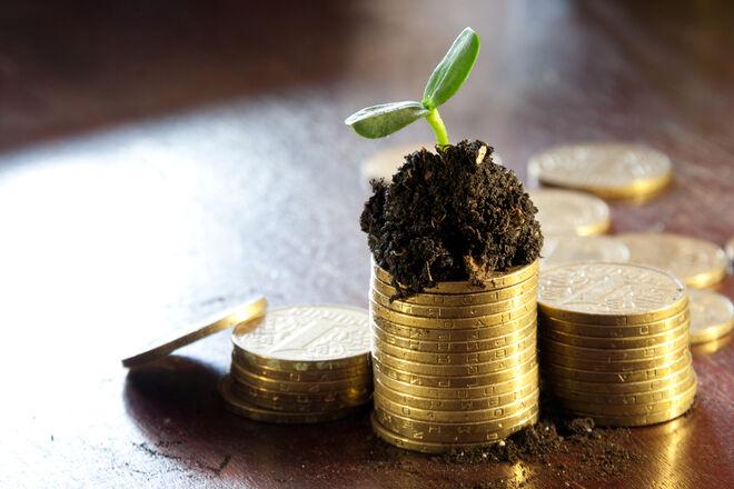 Власників землі зобов'яжуть платити новий податок з 2023 року: кому і скільки нарахують