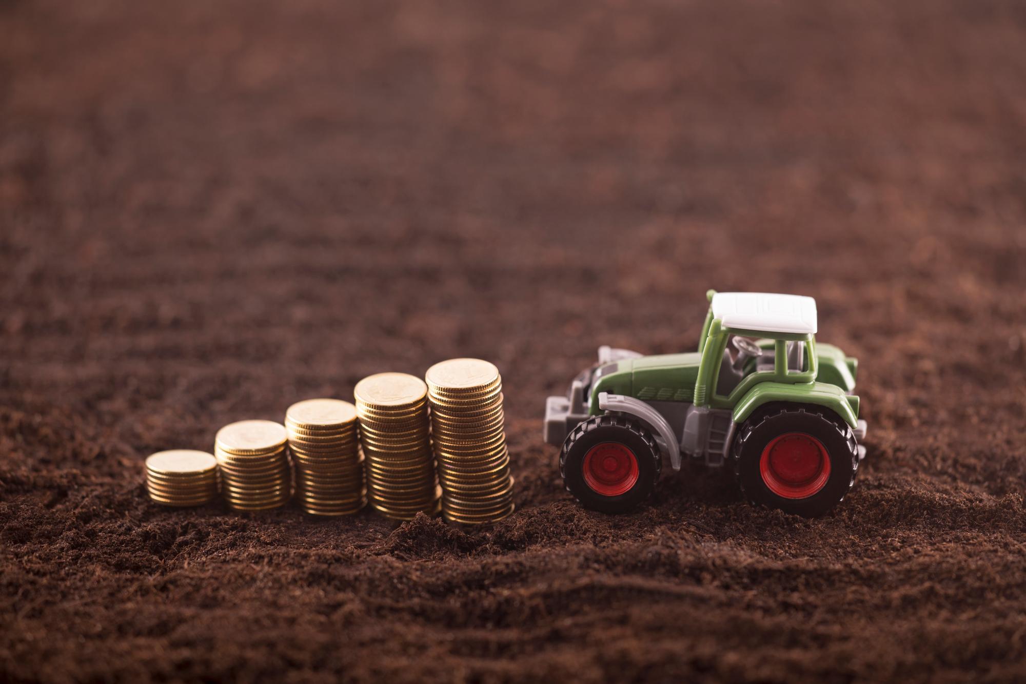 Українські аграрії залишилися без нових тракторів